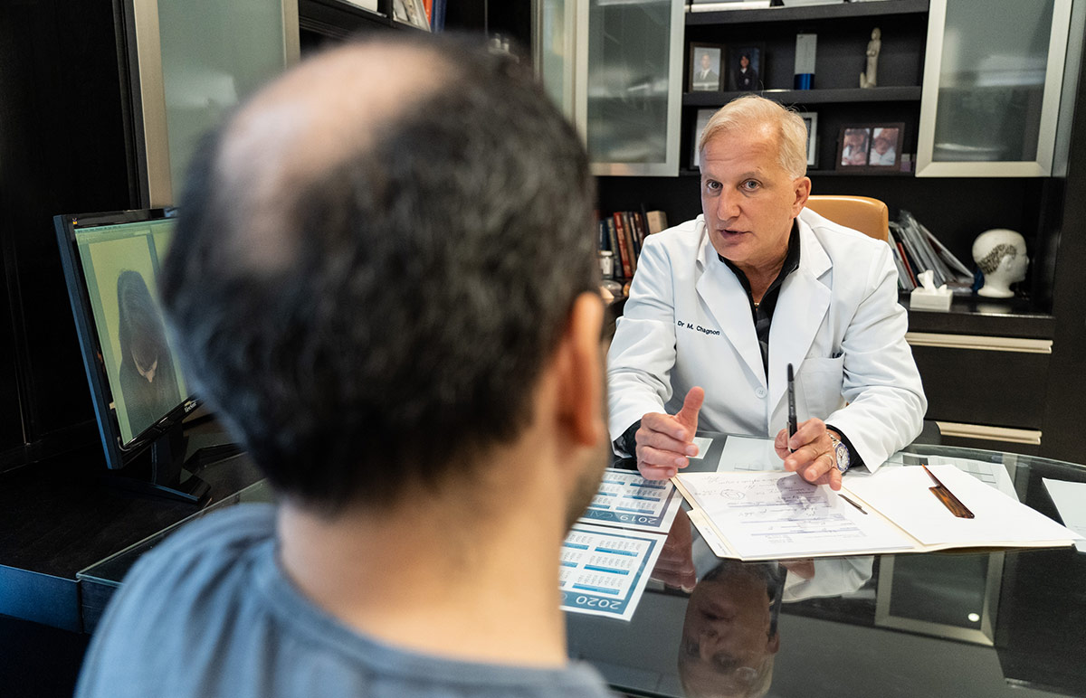 Docteur Chagnon de la Clinique de greffe de cheveux Bédard